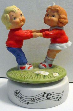 "T CAMPBELL'S SOUP KIDS MUSIC BOX  M' M' Good 1985 Vintage ""KIDS AT PLAY"""