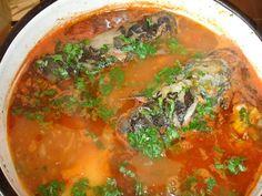 Supa sau Ciorba de peste[…] Fish Soup, Romanian Food, Seafood, Curry, Food And Drink, Dinner, Cooking, Ethnic Recipes, Supe