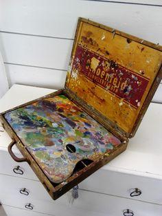 Taidemaalarin värisalkku
