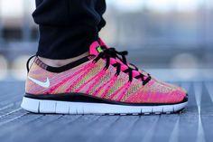 af52900e2e9f0 Sneakers Nike   Nike Free Flyknit NSW Pink Flash