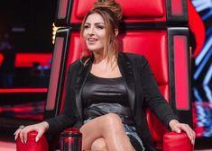 Helena Paparizou, Very Beautiful Woman, Amazing Women, Hair Inspiration, Leather Jacket, Singer, Celebrities, Cute, Greeks