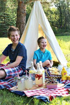 summer-teepee-picnic.jpg 640×960 pixels