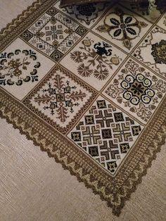 Cross Stitch Samplers, Cross Stitching, Beaded Embroidery, Cross Stitch Embroidery, Cross Stitch Designs, Cross Stitch Patterns, Hand Embroidery Design Patterns, Cross Stitch Geometric, Tapestry Crochet Patterns