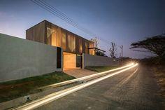 Galeria de Casa KA / IDIN Architects - 9