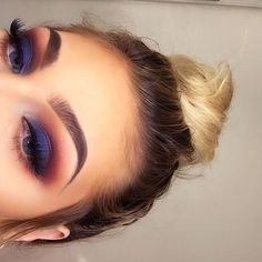 6 awesome eye makeup tips for you to try! 6 awesome eye makeup tips for you to try! Glam Makeup, Cute Makeup, Pretty Makeup, Skin Makeup, Gorgeous Makeup, Makeup Geek, Navy Eye Makeup, Summer Eye Makeup, Purple Makeup
