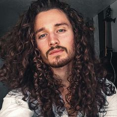 You are in the right place about hair and beard styles haircuts Here we offer you the most beautiful Hair And Beard Styles, Curly Hair Styles, Natural Hair Styles, Popular Hairstyles, Cool Hairstyles, Hair Inspo, Hair Inspiration, Long Curly Hair Men, Hot Guys Tattoos