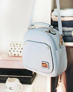 Image uploaded by ♚ Dɑyrɑ Jɑsemin ♚. Find images and videos about girl, fashion and blue on We Heart It - the app to get lost in what you love. Cute Mini Backpacks, Stylish Backpacks, Fashion Handbags, Purses And Handbags, Fashion Bags, Cheap Handbags, Chanel Handbags, Girl Fashion, Cute Purses