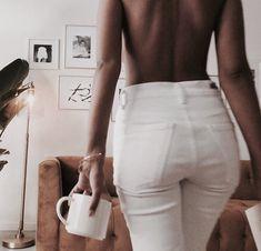 Girls and Coffee: Photo Disney Instagram, Instagram Girls, 90s Fashion, Fashion News, Vogue, Crop Top Bikini, Street Style, Online Fashion Boutique, Style Vintage