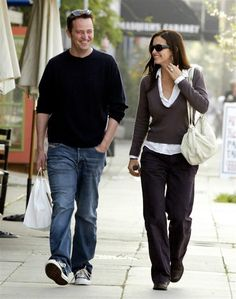 Are Courteney Cox and Matthew Perry dating in real life?