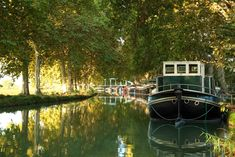 Canal du Midi - one of the great engineering feats of the century Toulouse, Le Canal Du Midi, Pont Du Gard, Montpellier, Rustic Feel, World Heritage Sites, 17th Century, Cruise, Places To Visit