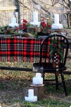 Plaid for Winter Weddings I love the idea of incorporating my family's Scottish tartan into my wedding decor one day. Especially if it's a winter wedding.   Any other season...and it'll have to be a small detail somewhere =P #ChristmasWeddingIdeas