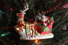 christmas // ornaments: detailed glass santa in sleigh
