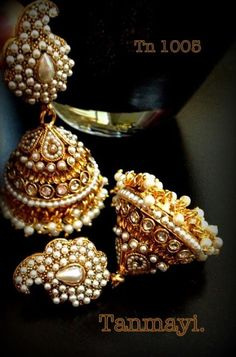Creatively Carved Life: Fabulous jewellery collections from Tanmayi Maharashtrian Jewellery, Pakistani Jewelry, Traditional Indian Jewellery, Traditional Earrings, India Jewelry, Temple Jewellery, Gold Jewellery, Indian Earrings, Wedding Jewelry