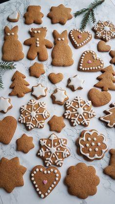 200 Calories, Gingerbread Cookies, Christmas Diy, Desserts, Food, Gingerbread Cupcakes, Tailgate Desserts, Deserts, Essen