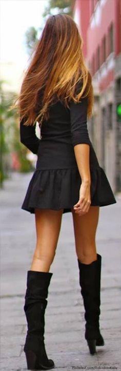 Street style in mini College Fashion