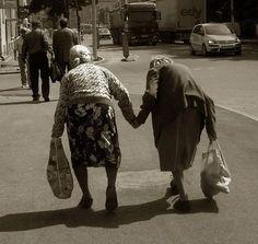 birlikte yaşlanıcaz inan bizde böyle olucaz. . .