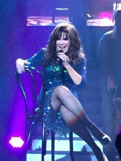 Hot legs! Amanda Holden, Osmond Family, Sarah Palin, Marie Osmond Hot, Richard Thompson, The Osmonds, Beautiful Celebrities, Beautiful Women, Woman Crush