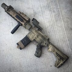 Airsoft hub is a social network that connects people with a passion for airsoft. Talk about the latest airsoft guns, tactical gear or simply share with others on this network Weapons Guns, Airsoft Guns, Guns And Ammo, Glock Guns, Plate Carrier, Ar Rifle, Ar Pistol, Battle Rifle, Cool Guns