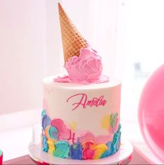 Topper per torta cono gelato, torta alta con crema pasticcera, torta per bimba d. Ice cream cone cake topper, high cake with cream . Giant Ice Cream, Ice Cream Cone Cake, Ice Cream Theme, Ice Cream Party, Cream Cake, Baby Girl Cakes, Baby Birthday Cakes, Ice Cream Social, Donut Party