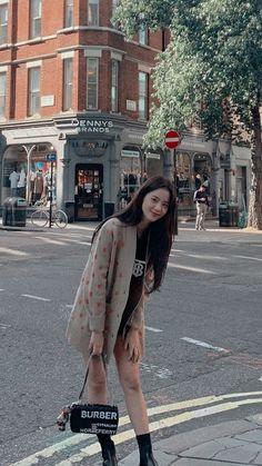 Blackpink Fashion, Korean Fashion, Fashion Outfits, Tzuyu Body, Blackpink Wallpaper, Blackpink Members, Black Pink Kpop, Blackpink Photos, Blackpink Jisoo