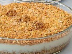 Kadayıflı muhallebi tarifi, çok hafif ve damak zevkinize uygun bir tatlı olacaktır. Bu tatlıyı ramazan aylarında yemeklerinizin ardından servis edebilirsiniz. Iftar, Turkish Recipes, Greek Recipes, Dessert Arabe, Eid Sweets, Pasta Cake, Arabic Dessert, Ramadan, International Recipes