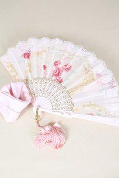 Fan Me French Pink! how pretty Kawaii Fashion, Lolita Fashion, Cute Fashion, Antique Fans, Vintage Fans, Kawaii Accessories, Fashion Accessories, Mode Lolita, Hand Held Fan