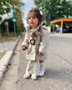 Mom And Son Outfits, Girls Winter Outfits, Baby Girl Fall Outfits, Baby Girl Winter, Lazy Outfits, Baby Girl Fashion, Kids Outfits, Kids Fashion, Twin Baby Boys