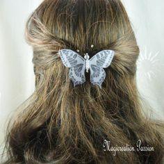 barrette française 6 cm papillon soie gris pailleté, corps perles blanches, collection Maéva, coiffure romantique, printemps, made in France