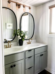 Learn how to complete a budget small bathroom remodel with creativity! Here are five budget friendly ways to update a small bathroom affordably. #bathroomremodel #budgetremodel #budgetbathroomremodel #bathroomdesign #diybathroomremodel #diybathroom