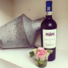 Oggi vi presentiamo un vino che nasce da un'antica e ricca tradizione, il Fiano di Avellino Terredora.  www.gliortidelbelvedere.it  Telefono 02-49781425 Wine Rack, Red Wine, Alcoholic Drinks, Glass, Decor, Decoration, Drinkware, Corning Glass, Liquor Drinks