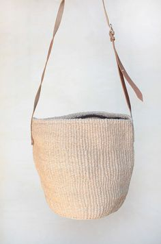 9a78b41d8d Woven basket small bag Beige small Straw bag woven straw bag