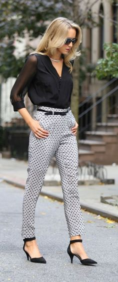 15 Stunning Casual Work Outfits For Women - Eweddingmag.com Casual Work Outfits, Business Casual Outfits, Work Casual, Trendy Outfits, Fall Fashion Outfits, Fall Fashion Trends, Autumn Fashion, Womens Fashion, Fashion Skirts