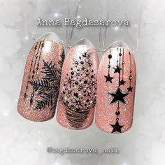 Easy Christmas Nail Art Designs for Short Nails – Snowflakes Xmas Nail Art, Christmas Nail Art Designs, Holiday Nails, Christmas Nails, New Years Nail Designs, Cool Nail Designs, New Year's Nails, Toe Nails, Red Toenails