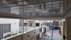 Όταν η custom made κατασκευή σου ταξιδεύει μέχρι το Ιράκ μόνο περηφάνια μπορείς να νιώσεις! ⠀ Η βιοκλιματική πέργκολα SKYLINE θα προστατέψει τον υπαίθριο αυτόν χώρο από οποιεσδήποτε καιρικές συνθήκες, ενώ εναρμονίζεται πλήρως με το αρχιτεκτονικό στυλ αυτού του κτιρίου. ⠀ Skyline, Outdoor Decor, Projects, Home Decor, Log Projects, Blue Prints, Decoration Home, Room Decor, Home Interior Design