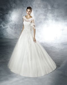Buy Pronovias Designer Bridal Gowns and lace wedding dresses in Singapore | Blessed-brides.com