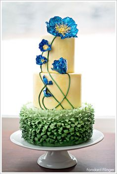 Blue Poppy Flowers Cake: