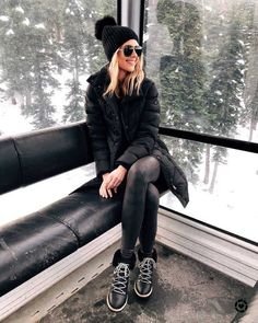 Beanie Outfit - What to Pack for a Winter Ski Trip Leggings Outfit Winter, Beanie Outfit, Legging Outfits, Leather Leggings Outfit, Spanx Faux Leather Leggings, Snow Boots Outfit, Nike Leggings, Black Leggings, Winter Outfits For Teen Girls