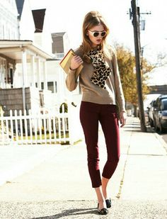 Burgundy pants with neutrals and leopard - totally my style Casual Work Outfits, Business Casual Outfits, Work Attire, Cute Outfits, Work Fashion, Fashion Outfits, Womens Fashion, Burgundy Pants Outfit, Burgundy Sweater