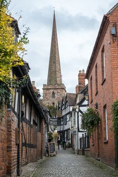 15 Best Things to Do in Ledbury (Herefordshire, England) - The Crazy Tourist Malvern Hills, Country Garden Weddings, London Places, Herefordshire, Outdoor Venues, Scotland Travel, North Yorkshire, London Travel, Where To Go