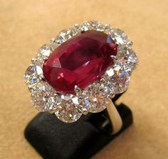 Antique Ruby Ring Vintage Art Deco Wedding White Gold 6 - Diamonds are a girls. Ruby Jewelry, Jewelry Rings, Jewelery, Jewelry Accessories, Fine Jewelry, Jewellery Box, Jewellery Shops, Diamond Jewellery, Key Rings