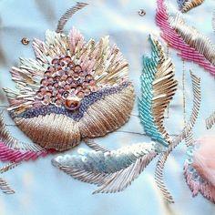 "2,188 Me gusta, 8 comentarios - fashion embroidery (@matreshki.rf) en Instagram: ""@kaorisembroidery555 -  New level4 _The 1940's_Part1 #lesage #embroidery #hautecouture…"""