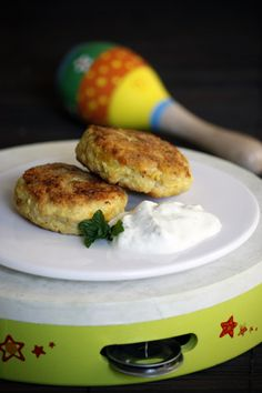 Homemade chicken burgers | Wholesome baby food: Chicken, Garlic & Coconut burgers for baby and the whole family