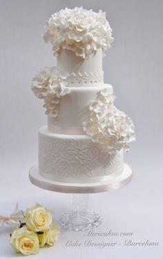 curso, boda, Barcelona, tarta, weddingcake, white, blanco, rosas, hortensias, encaje, tired cake, mericakes, bridal, barcelona, pastel de boda, fondant, sugarcraft, sugarpaste, rouses, hydrangeas.