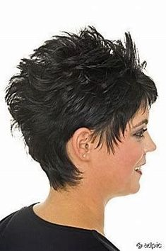 selecting-your-perfect-pixie-haircut - Fab New Hairstyle 1 Shaggy Short Hair, Pixie Haircut For Thick Hair, Short Spiky Hairstyles, Short Sassy Hair, Short Hair With Layers, Short Hair Cuts For Women, Short Hairstyles For Women, Short Hair Styles, Pixie Haircuts