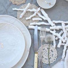 🌾#ceramics #porcelaine #tableware #foodstyling #branch #leaf #garden #crochet #heirloom #plate #bowl #gold #handmade #slowlife #wabisabi #creditphotomarieroura #myriamaitamarceramics