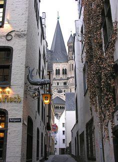 Cologne, North Rhine-Westphalia, Germany - Haven't been here yet, but looks promising! Lisätään listalle! Ich muss Köln besuchen!