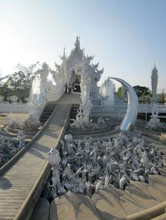 Thailand's White Temple #thailand #white temple #amazing #beautiful unreal #temple