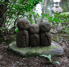 Hasedera Temple, in Kamakura temples, real happi, jizo statu, three little birds, statues, japanese gardens, zopa rinpoch, blog, lama zopa