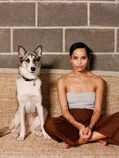 Zoe Kravitz - The New York Times fotoshoot - februar 2020 Lenny Kravitz, Zoe Kravitz Style, Zoe Kravitz Tattoos, Zoe Kravitz Braids, Lisa Bonet, Reese Witherspoon, New York Times, Ny Times, Ysl