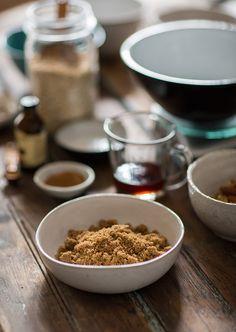 Making granola bars with honey and maplehttp://bit.ly/1UvjJUT